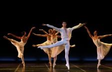 barok-balet-Daniele-Romeo-i-clanice-ansambla-715x575