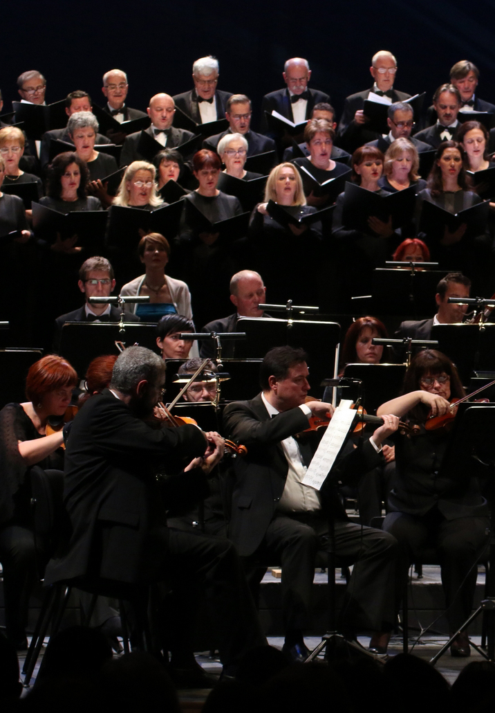 orkestar i zbor Opere HNK Ivana pl. Zajca